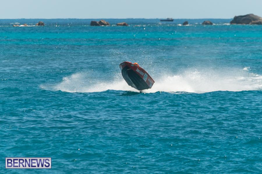 JM-2016-Around-the-Island-powerboat-race-25