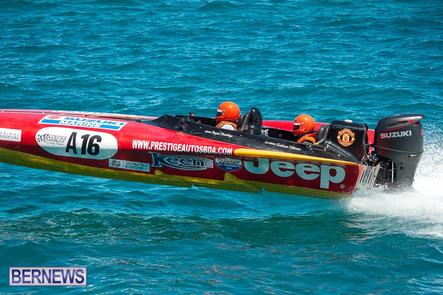JM-2016-Around-the-Island-powerboat-race-3