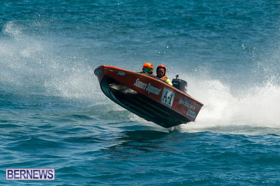 JM-2016-Around-the-Island-powerboat-race-35