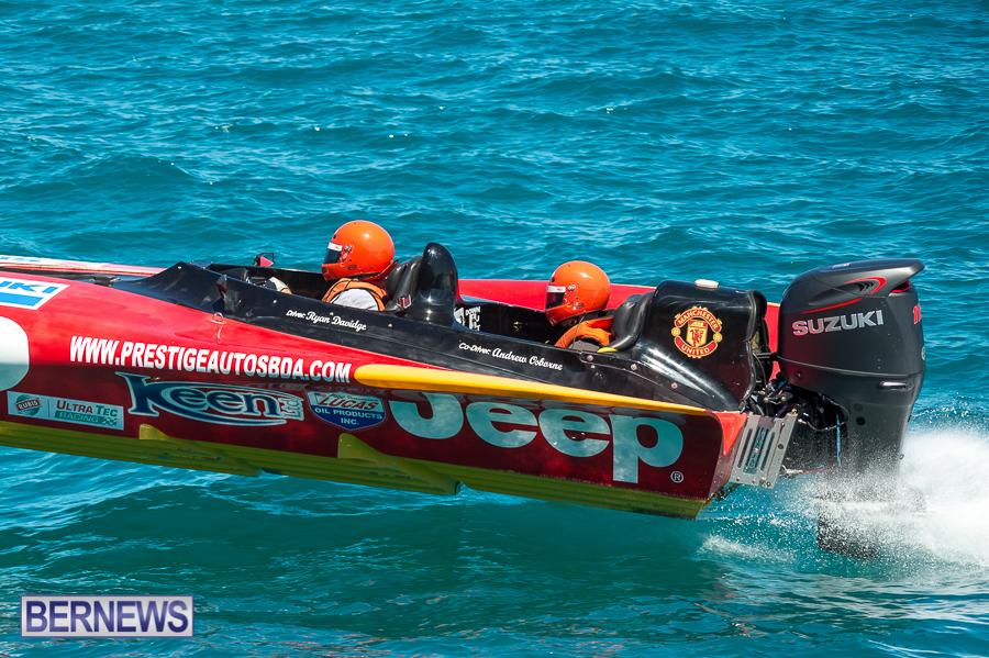 JM-2016-Around-the-Island-powerboat-race-4