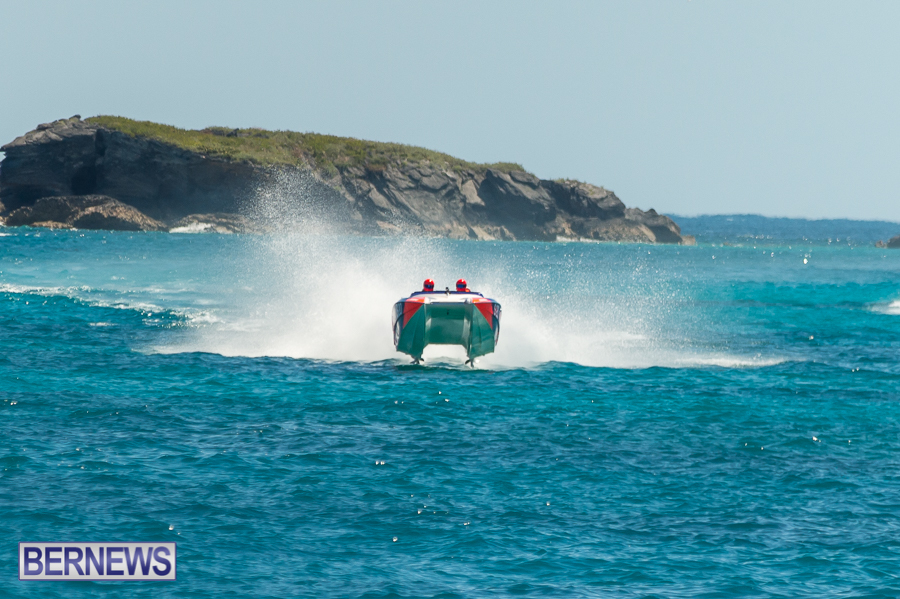 JM-2016-Around-the-Island-powerboat-race-46