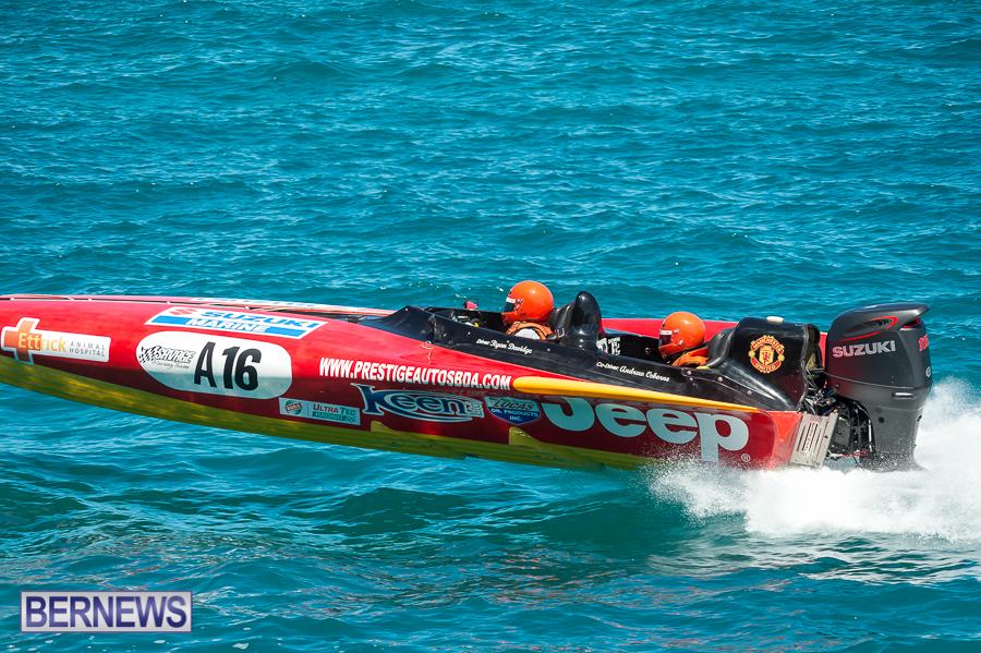 JM-2016-Around-the-Island-powerboat-race-5