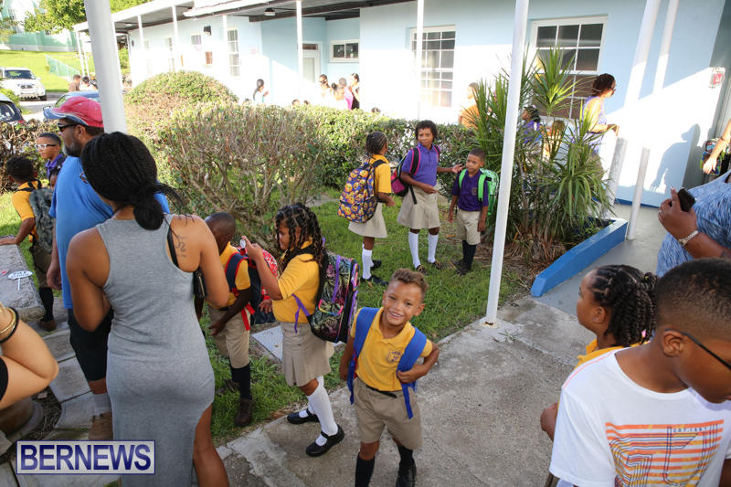 Back-To-School-First-Day-Bermuda-September-8-2016-6