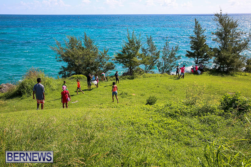 EY-Coastal-Clean-Up-Bermuda-September-17-2016-15