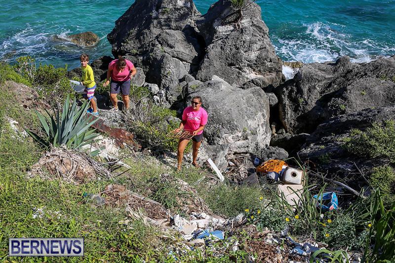 EY-Coastal-Clean-Up-Bermuda-September-17-2016-16