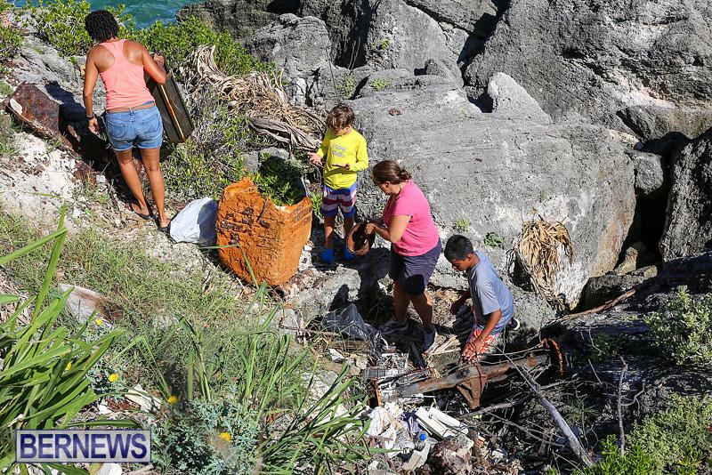 EY-Coastal-Clean-Up-Bermuda-September-17-2016-24