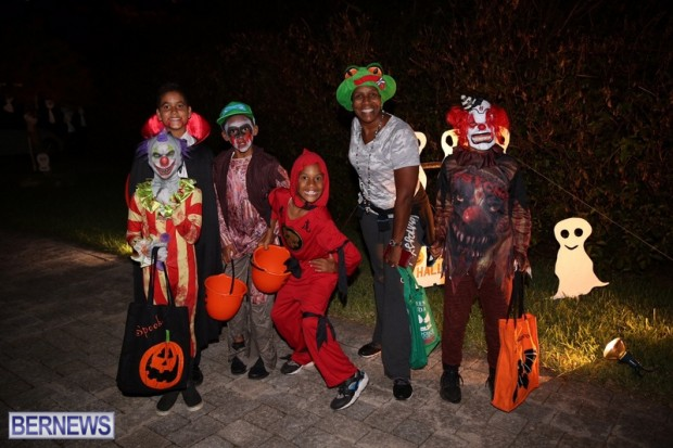 08-2016 October Bermuda Halloween in Devonshire (8)