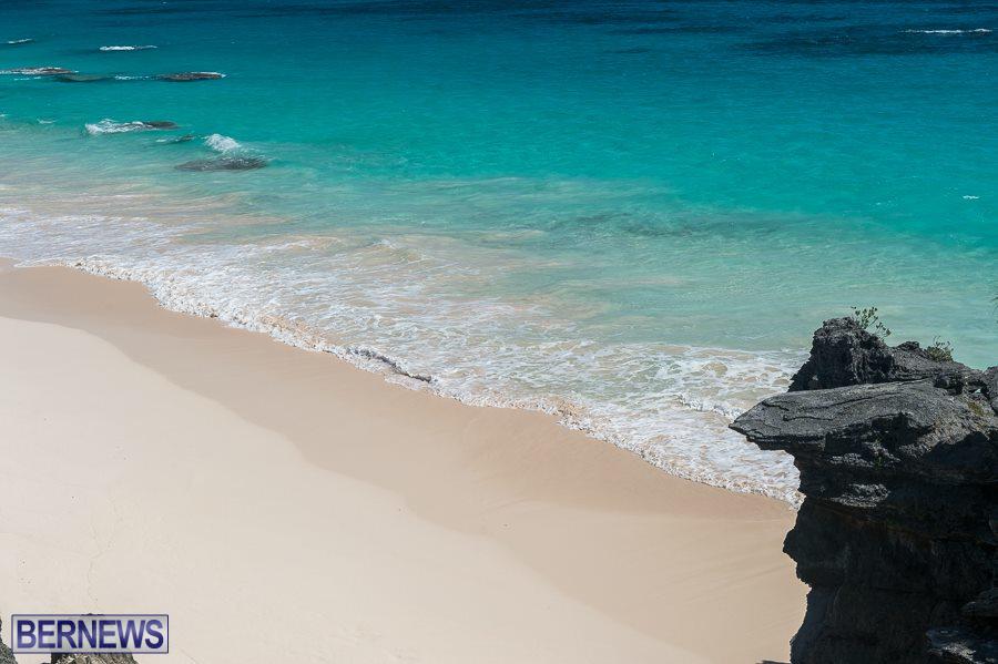 477 beaches of Bermuda Generic October 2016 wm