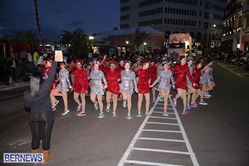 39-2016-Bermuda-Marketplace-Santa-Claus-Parade-43