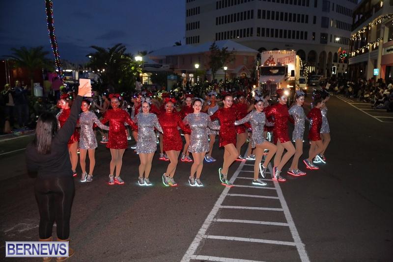43-2016-Bermuda-Marketplace-Santa-Claus-Parade-47