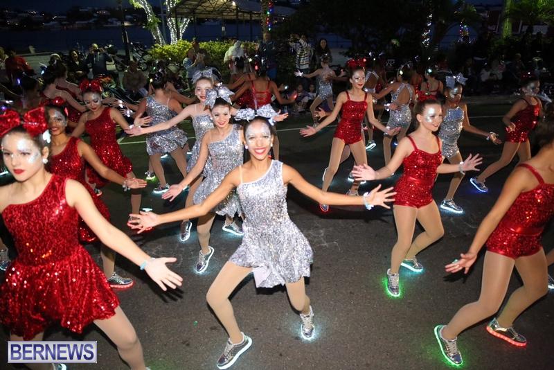 46-2016-Bermuda-Marketplace-Santa-Claus-Parade-50