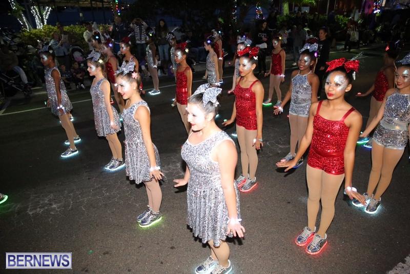 47-2016-Bermuda-Marketplace-Santa-Claus-Parade-51