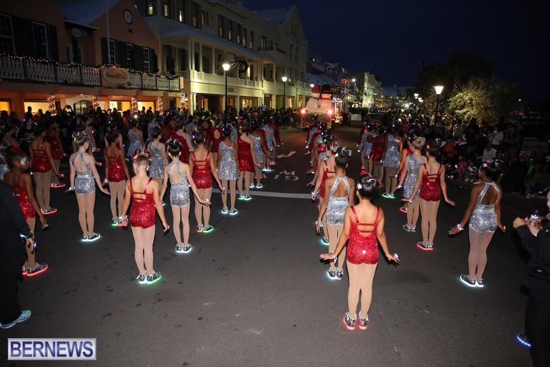 49-2016-Bermuda-Marketplace-Santa-Claus-Parade-53