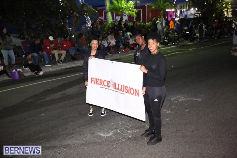 60-2016-Bermuda-Marketplace-Santa-Claus-Parade-64