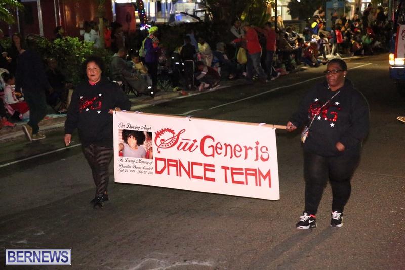 62-2016-Bermuda-Marketplace-Santa-Claus-Parade-66