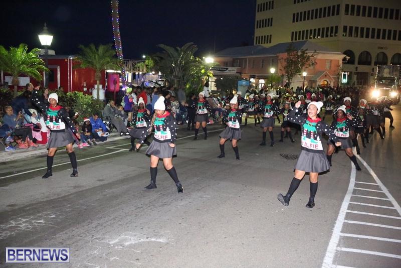 63-2016-Bermuda-Marketplace-Santa-Claus-Parade-67