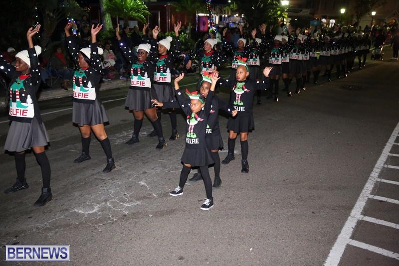 66-2016-Bermuda-Marketplace-Santa-Claus-Parade-70