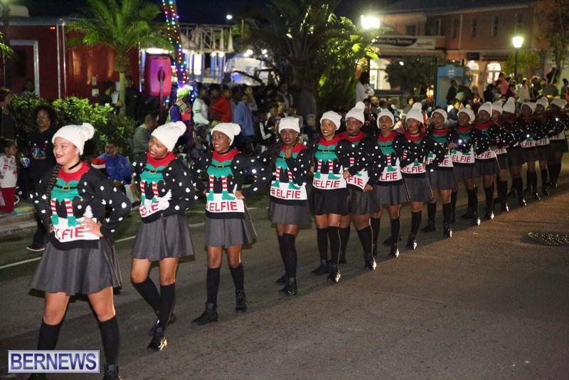 67-2016-Bermuda-Marketplace-Santa-Claus-Parade-71
