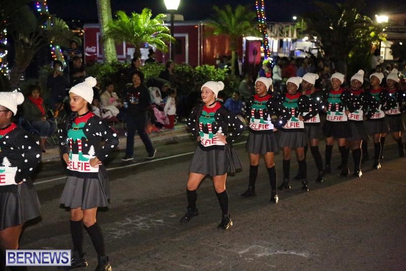 68-2016-Bermuda-Marketplace-Santa-Claus-Parade-72
