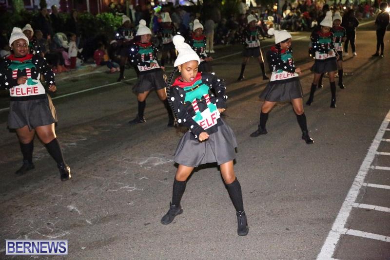 69-2016-Bermuda-Marketplace-Santa-Claus-Parade-73