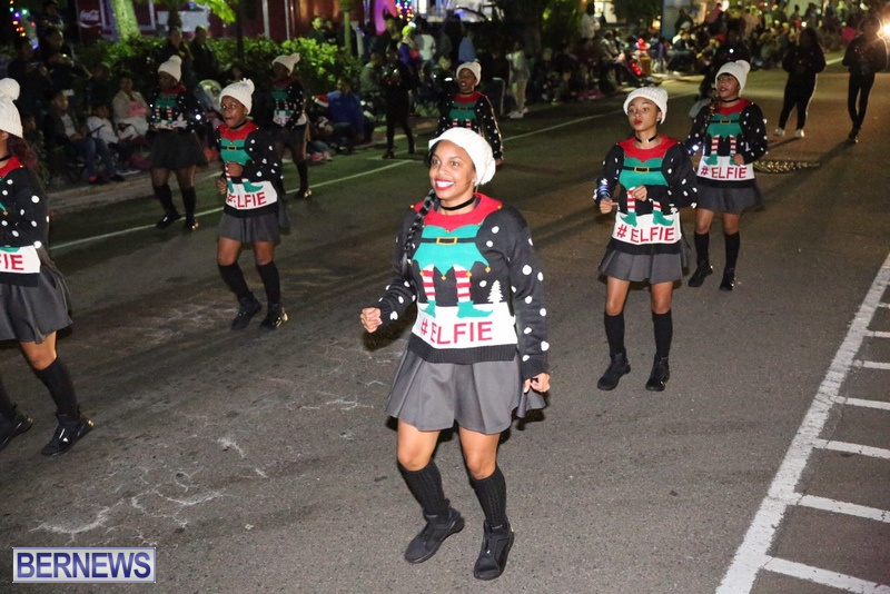 70-2016-Bermuda-Marketplace-Santa-Claus-Parade-74
