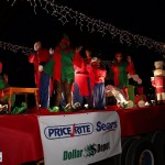 72-2016 Bermuda Marketplace Santa Claus Parade (76)