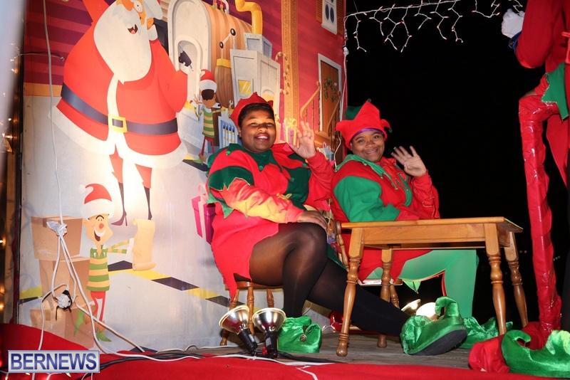 73-2016-Bermuda-Marketplace-Santa-Claus-Parade-77