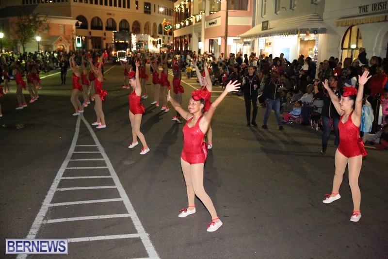 77-2016-Bermuda-Marketplace-Santa-Claus-Parade-81