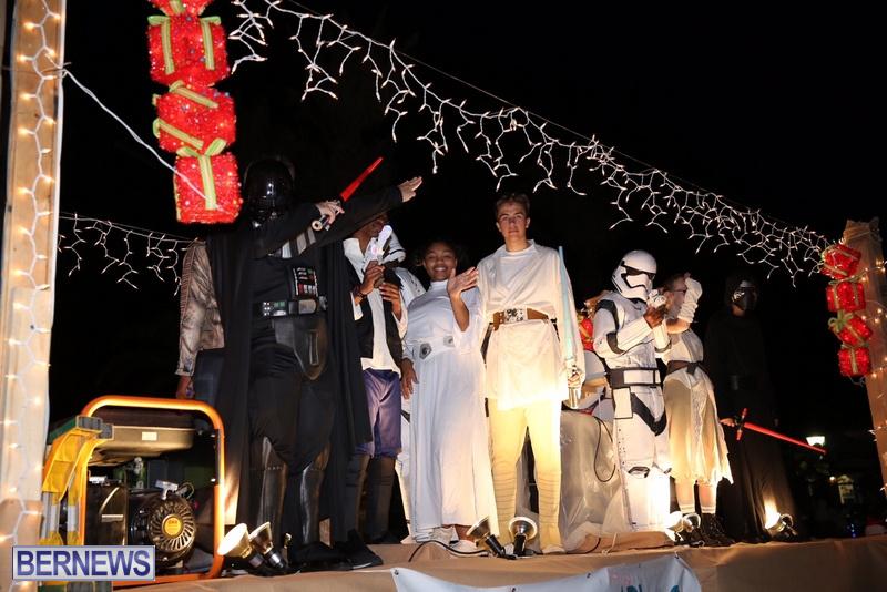 78-2016-Bermuda-Marketplace-Santa-Claus-Parade-82
