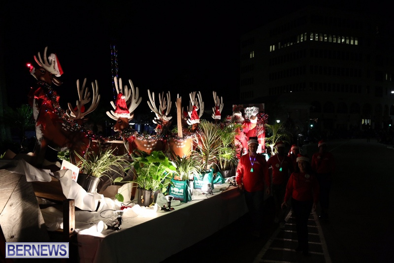 81-2016-Bermuda-Marketplace-Santa-Claus-Parade-4