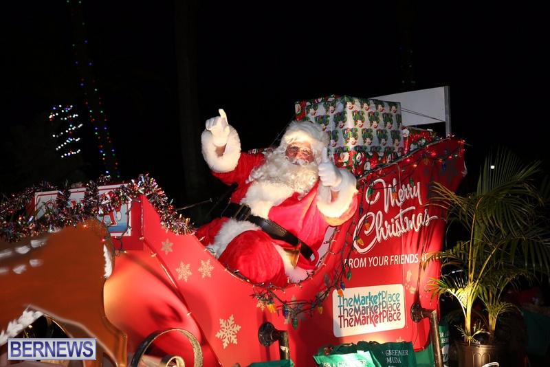 83-2016-Bermuda-Marketplace-Santa-Claus-Parade-2