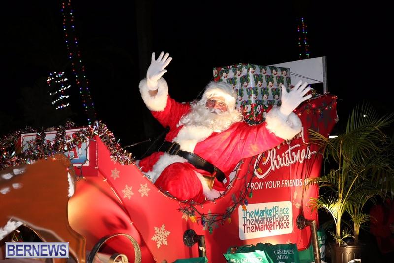 84-2016-Bermuda-Marketplace-Santa-Claus-Parade-3