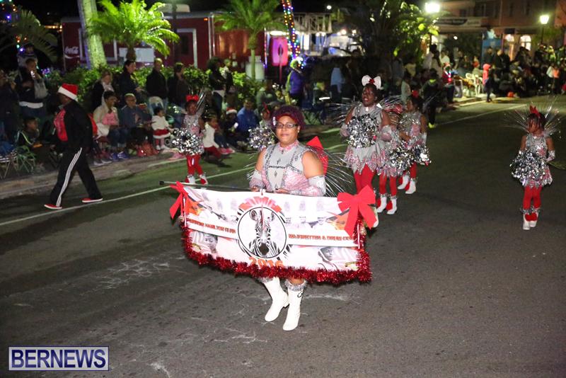 86-2016-Bermuda-Marketplace-Santa-Claus-Parade-1