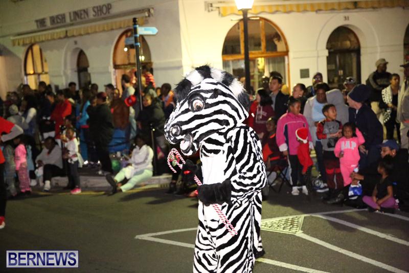 86-2016-Bermuda-Marketplace-Santa-Claus-Parade-2