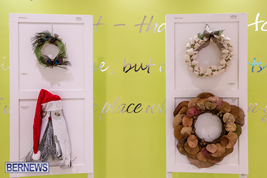 Holiday-Wreath-Show-For-Charity-Bermuda-Nov-19-2015-10