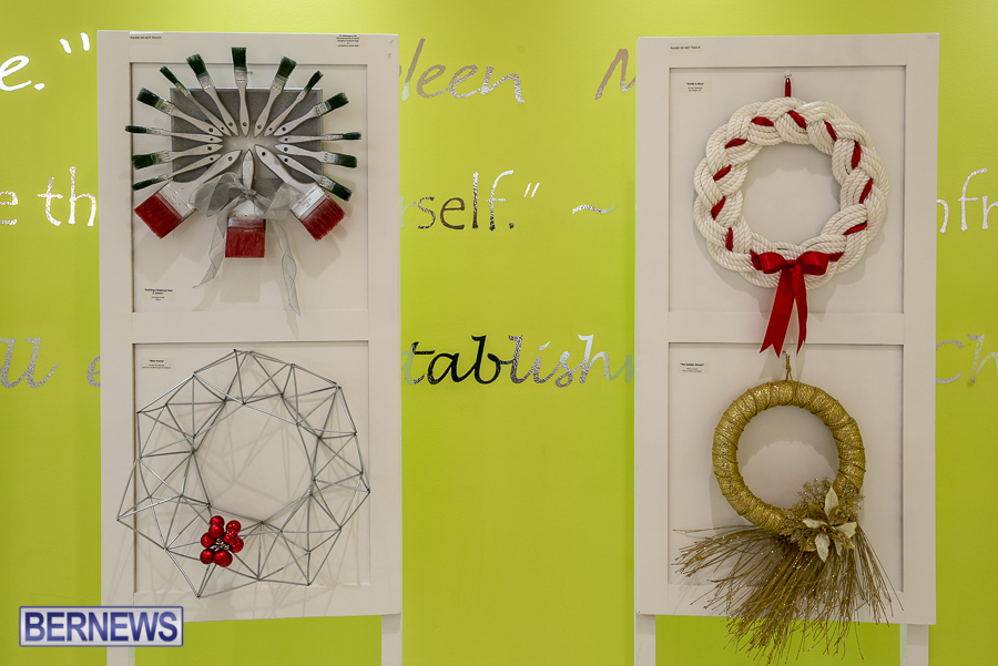 Holiday-Wreath-Show-For-Charity-Bermuda-Nov-19-2015-5