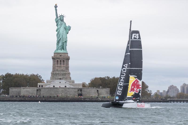 F4 Race Yacht