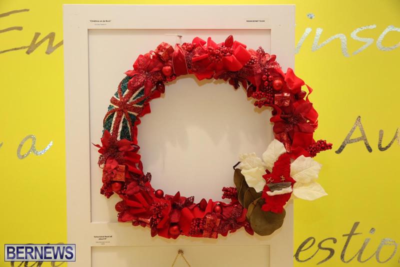 Bermuda-Christmas-wreaths-in-mall-2016-37