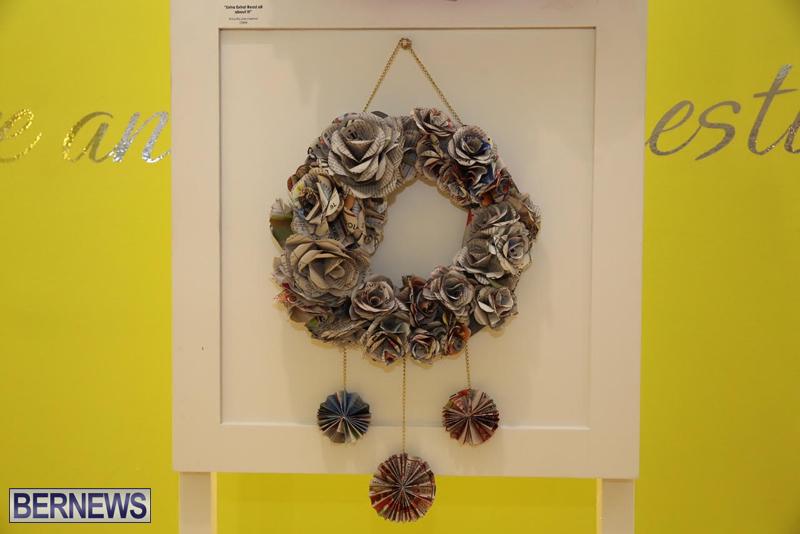 Bermuda-Christmas-wreaths-in-mall-2016-39