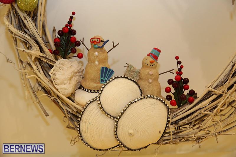 Bermuda-Christmas-wreaths-in-mall-2016-44