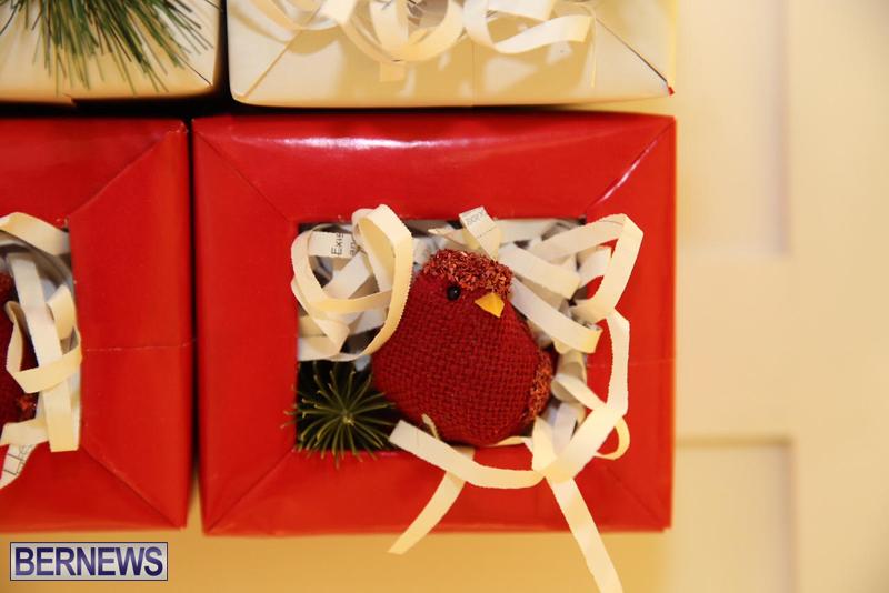 Bermuda-Christmas-wreaths-in-mall-2016-49