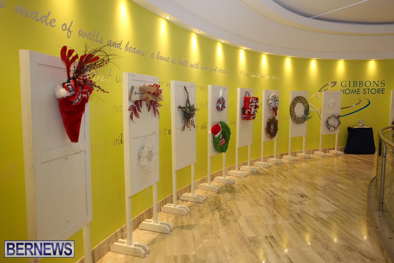 Bermuda-Christmas-wreaths-in-mall-2016-52