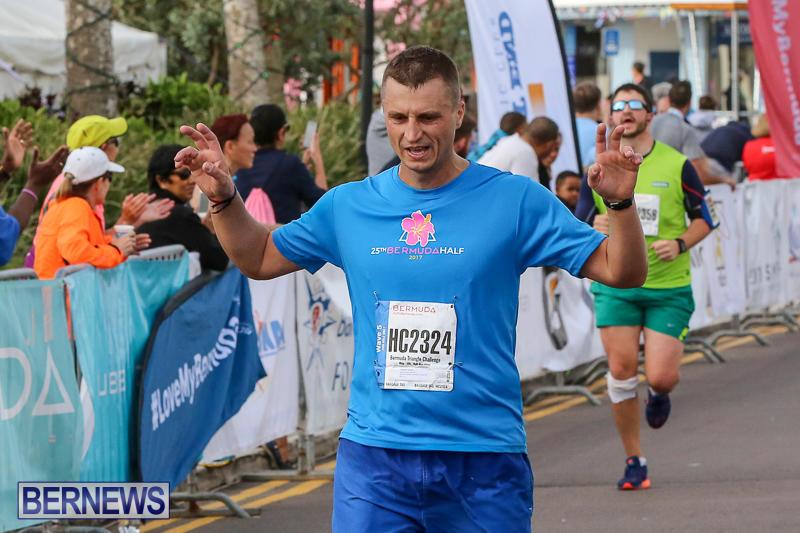 Bermuda-Race-Weekend-Half-and-Full-Marathon-January-15-2017-300