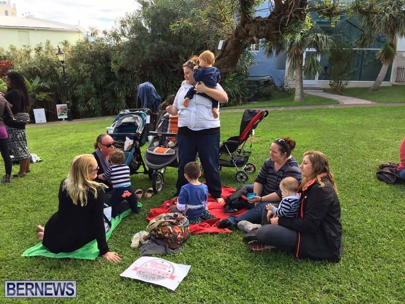 Gathering To Support Women's March Bermuda Jan 21 2017 (6)