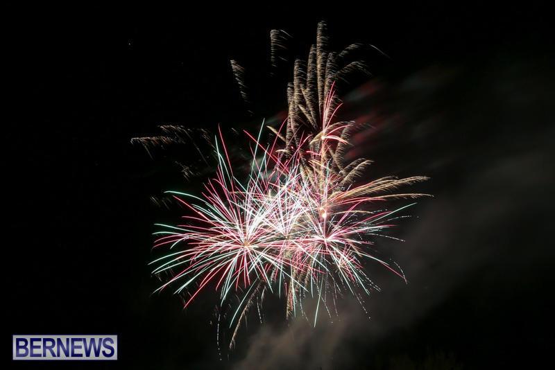New-Years-Eve-Fireworks-Bermuda-December-31-2016-11