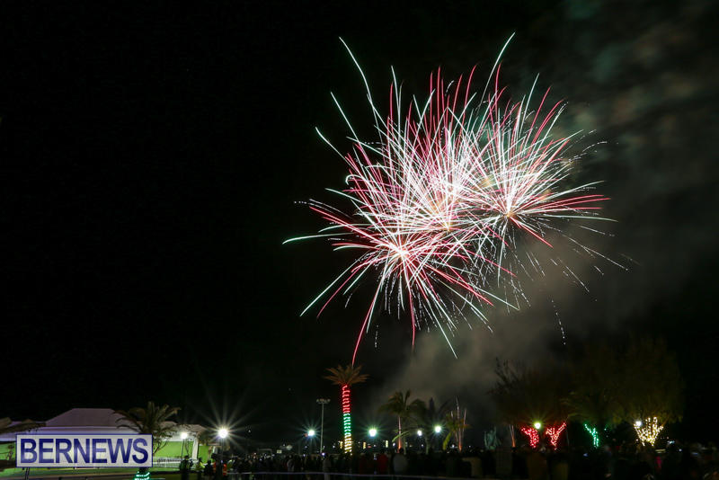 New-Years-Eve-Fireworks-Bermuda-December-31-2016-13