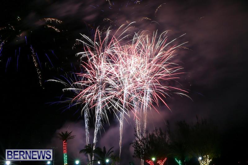 New-Years-Eve-Fireworks-Bermuda-December-31-2016-20
