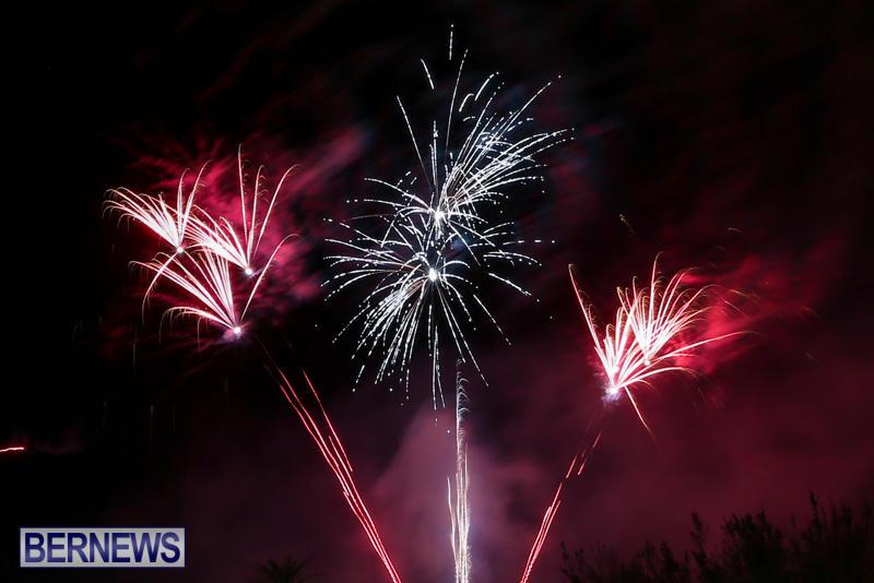 New-Years-Eve-Fireworks-Bermuda-December-31-2016-23