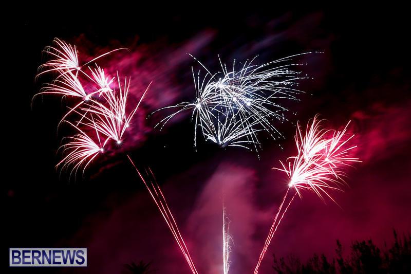 New-Years-Eve-Fireworks-Bermuda-December-31-2016-24