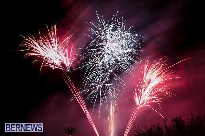New-Years-Eve-Fireworks-Bermuda-December-31-2016-25